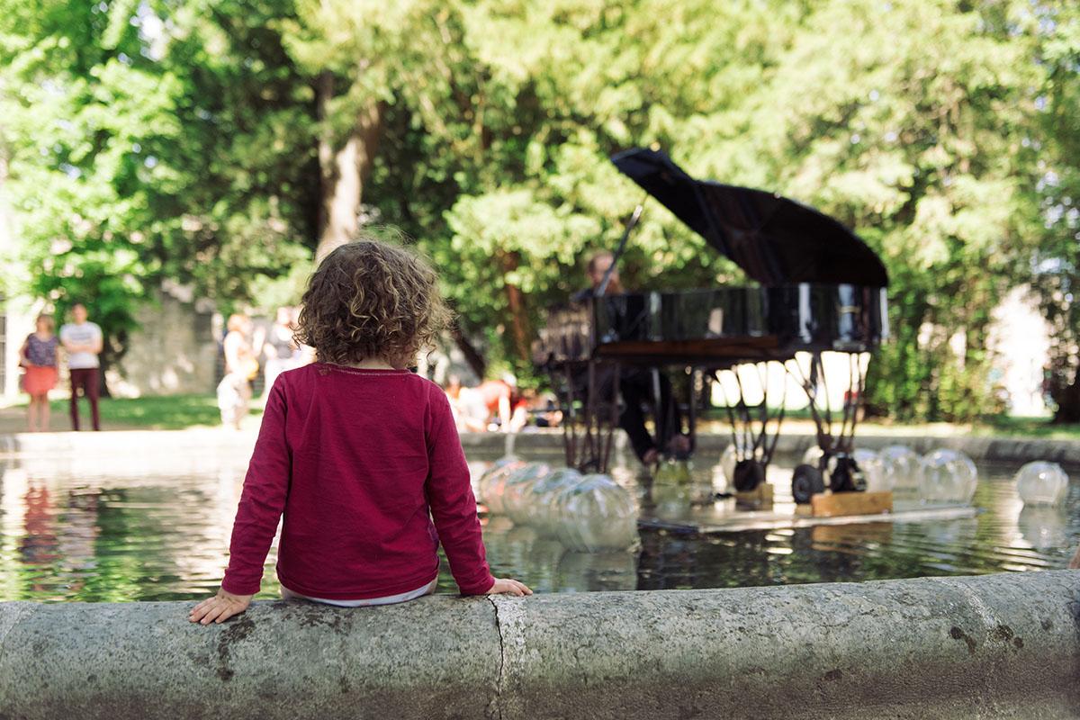 Spectacle fontaine Festival du parc de Beauregard