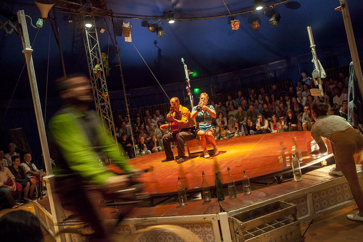 spectacle la cirque poussiere